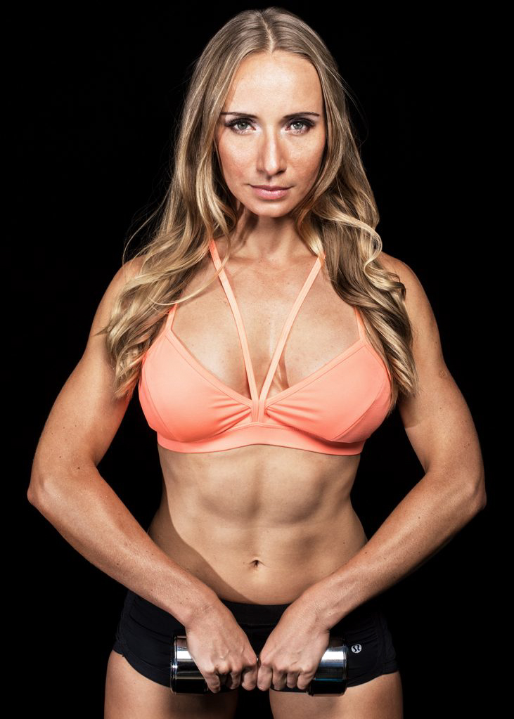 Fitness_Photography-Brisbane_Photographer-Black-Backdrop_1